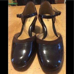 NWOT Softspot Rihana heels size 9